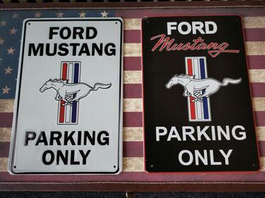 Ford Mustang Blech Park schild
